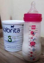 תחליף חלב kabrita מבוסס על חלב עיזים: בת שנתיים שתתה בהתלהבות