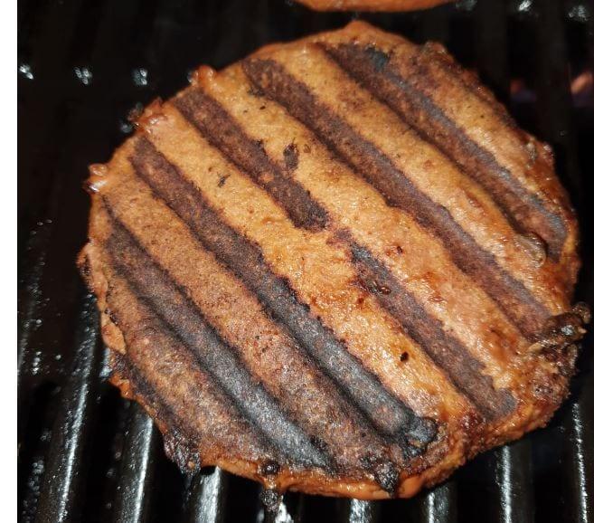 המבורגר מתחליף בשר טחון