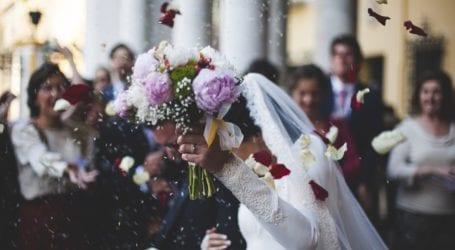 החוק אושר: בעלי אולמות ייתנו החזר לזוגות שחתונתם בוטלה בגלל הקורונה