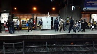 נוסעים ברכבת ישראל? הקרון שמאחורי הקטר הכי מזוהם. זיהום גבוה נמצא גם בתחנה המרכזית בירושלים
