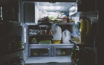 4 טיפים לשמירה על ניקיון המקרר