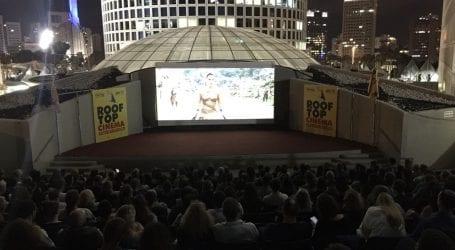 הקולנוע הפתוח על גג קניון עזריאלי בתל אביב חוזר: אילו סרטים יוצגו ובאיזה מחיר?