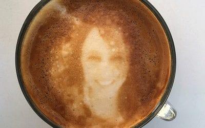 מעתה בקפה גרג: קפה עם תמונה או הקדשה אישית. והמחיר?