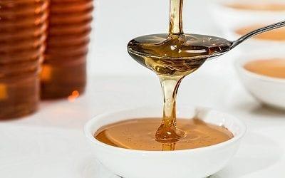 איפה משתלם לקנות דבש, מה המחיר סביר, באיזה חודש בשנה ואיך מזהים דבש מזויף? 4 טיפים לראש השנה
