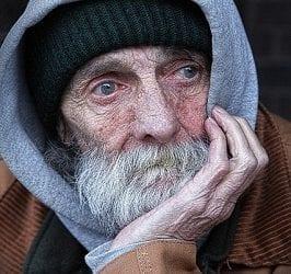 כך שלל הביטוח הלאומי את הקצבה מזוג קשישים ניצולי שואה והשופטת לא הושיטה יד להצילם, כשהכול בחסות החוק
