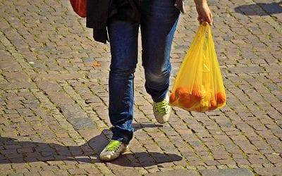 חוק השקיות: שיטת התשלום עובדת, חלה ירידה דרמטית במספר שקיות הפלסטיק ברשתות השיווק