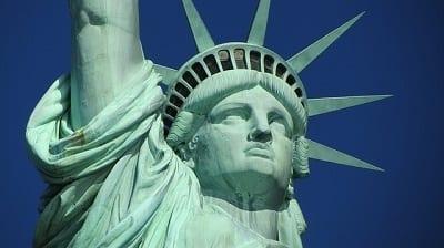 """ויזות וגרין קארד לארה""""ב: אתר shopimmigration מציע מחירים קבועים והחזר כספי למסורבים"""