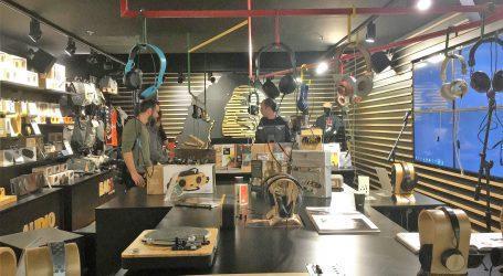 האוס אוף מארלי השיק את האוזניות והרמקולים לשנת 2018. מה הם מציעים ומה הקשר לגג של דיזנגוף סנטר?