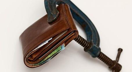 איך לצאת מחובות כספיים: המדריך המלא