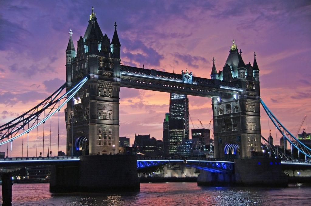 טיסות זולות ללונדון