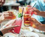 ביי ביי לקשיות השתייה בניו יורק? חוק חדש יאסור הגשת משקאות עם קשיות פלסטיק