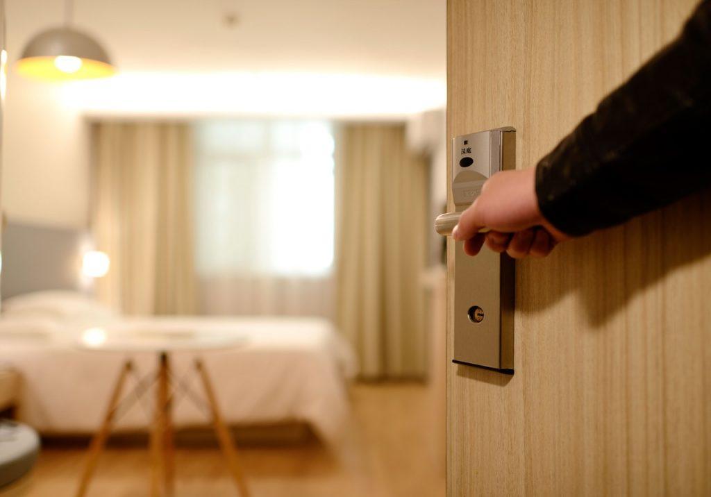 מיטות זוגיות בחדרי שינה