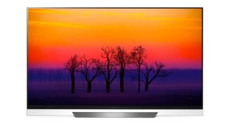 סקירה: LG E8 – טלוויזיית OLED עם איכות תמונה מעולה ועיצוב מיוחד