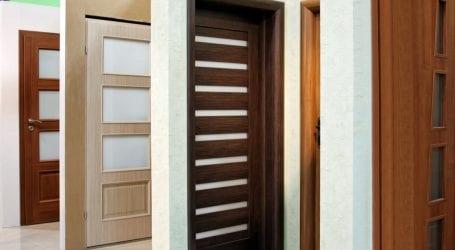 מה משפיע על מחירים של דלתות פנים?