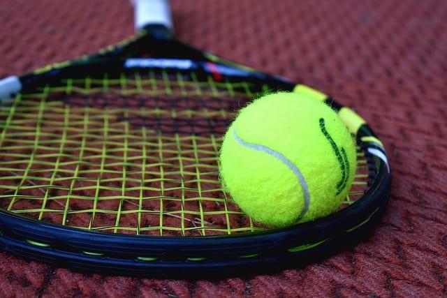 איך לבחור כדורי טניס