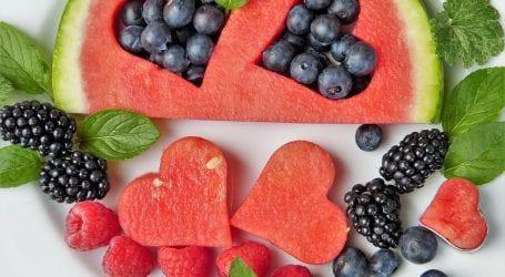 מגשי פירות חתוכים, מרשימים ואקזוטיים