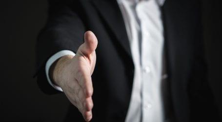 """בחשד לעוקץ קשישים: חברת פמילי דיל תיקנס בכ-5.3 מיליון שקל ע""""י הרשות להגנת הצרכן"""