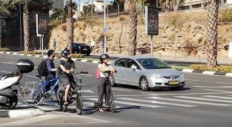 אושר סופית: חובת חבישת קסדה לרוכבי אופניים חשמליים בכל גיל