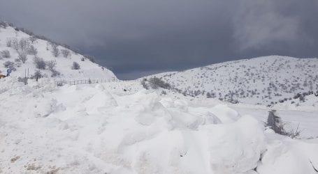 החרמון מחכה לכם. עונת הסקי נפתחת עם שיא של כמה שנים בכמות השלג