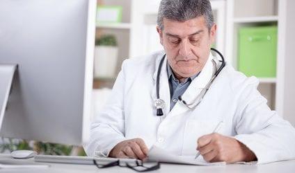 איך מתבצע ניתוח להחלפת שתלים בחזה ומדוע הוא דרוש?