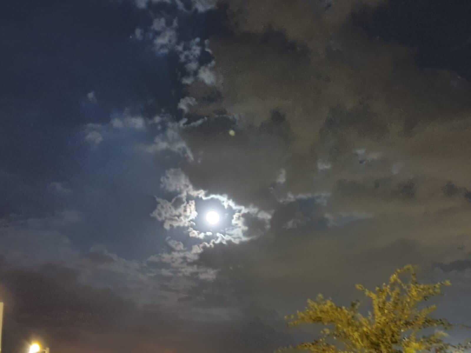 צילום לילה בגלקסי נוט 10 פלוס