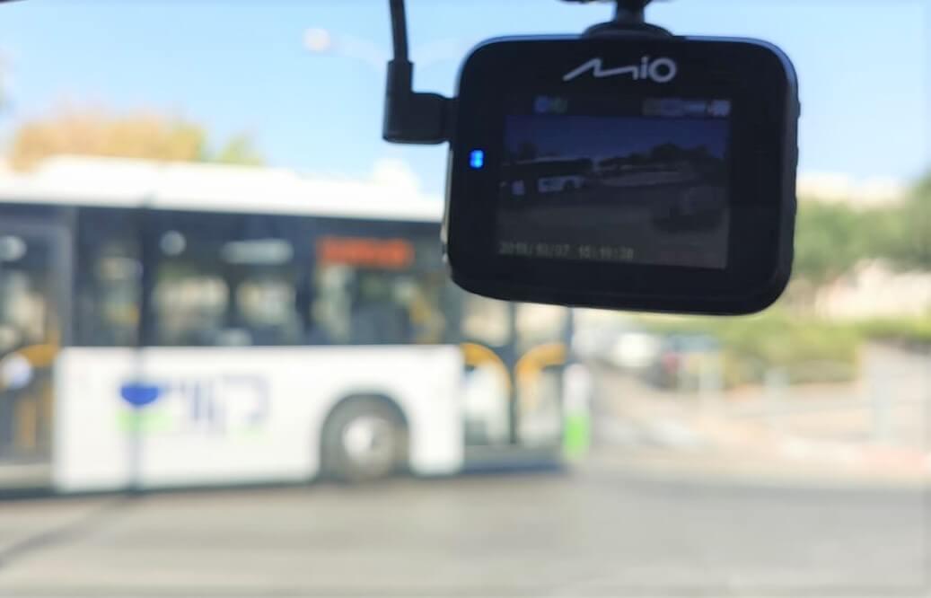 מצלמת רכב Mio C328