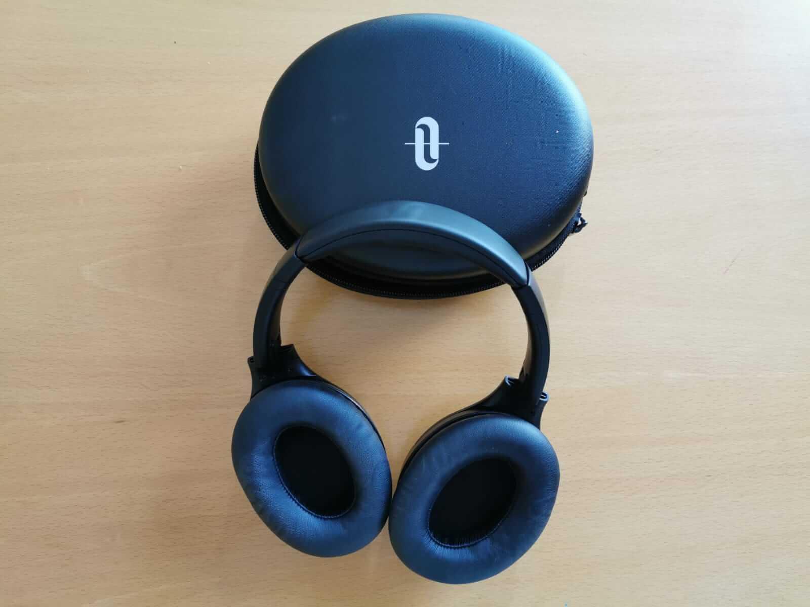 אוזניות מבודדות רעשים