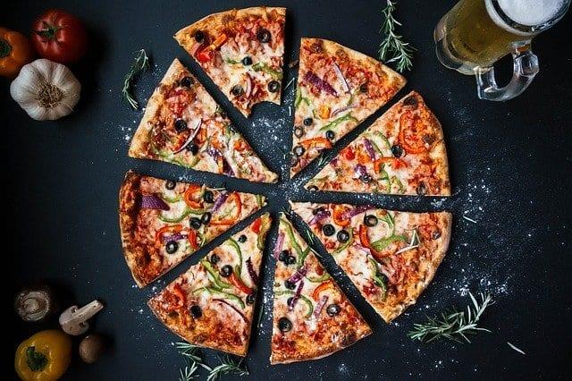 ביט בדומינוס פיצה