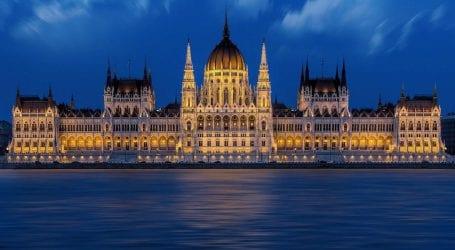 שער היורו בשפל – מחירי הטיסות לאירופה זולים מתמיד. כמה עולה חבילה לבודפשט?