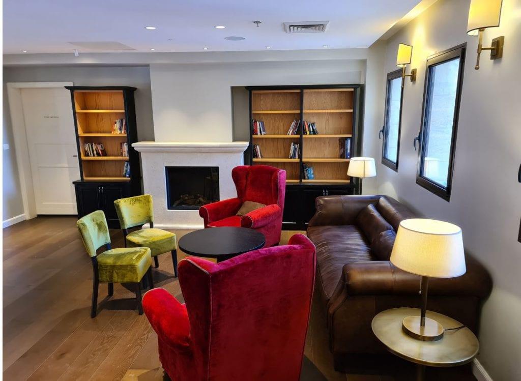 לובי מלון אדמונד
