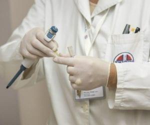 בדיקת קורונה בבית חולים