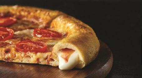 טעמנו: דומינו'ס פיצה צ'יזי קראסט עם מוצרלה זיתים