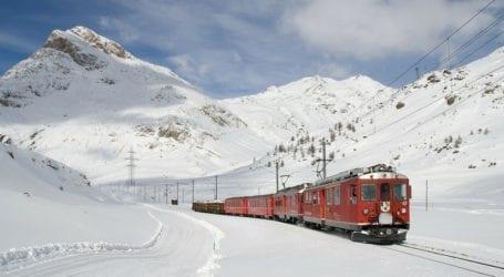 תגבור רכבות בשל השלג, הביטקוין נוסק והקורבן הכי צעיר של הקורונה: חדשות היום בפואנטה