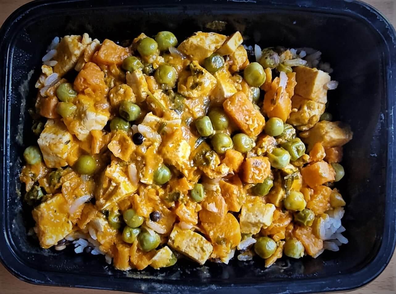 תבשיל טופו בקארי וירקות תנובה שף