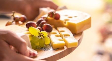 למה עדיף לקנות גבינות במשקל? שימו לב לפערי המחירים